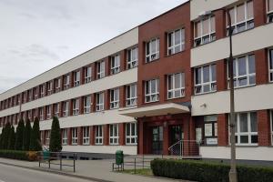 Termomodernizacja budynku szkoły PZ Nr 10 SME w Kętach