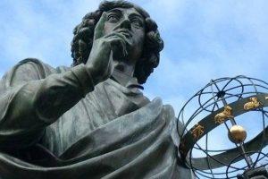 Z którym z kwiatów najczęściej portretowano Mikołaja Kopernika?